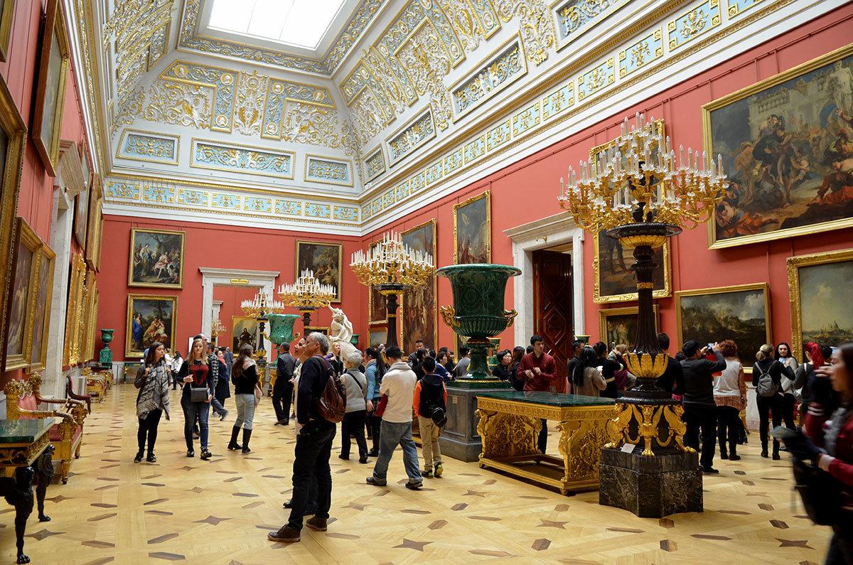 Большой итальянский зал Эрмитажа