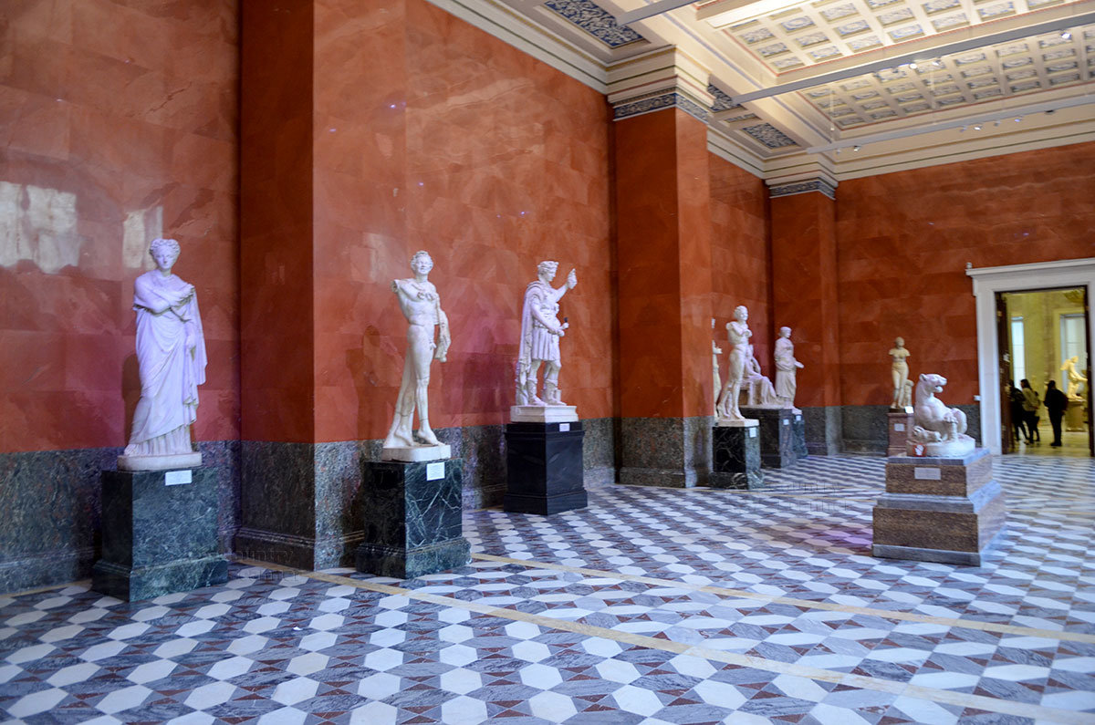 Греческие залы Эрмитажа