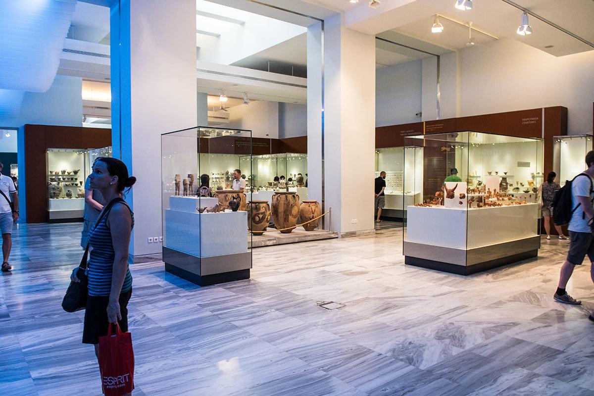 Витрины археологического музея Ираклиона