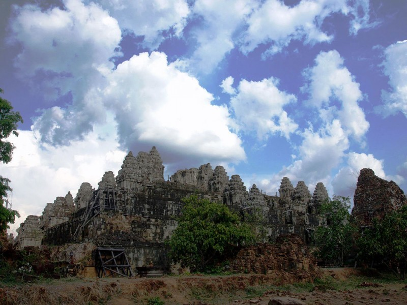Храм Пном Бакхенг