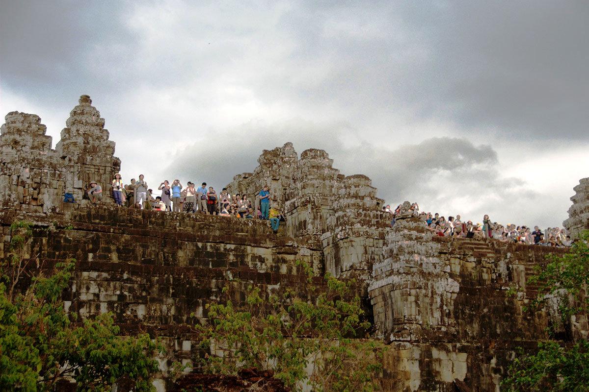 Храм-гора Пном Бакхенг