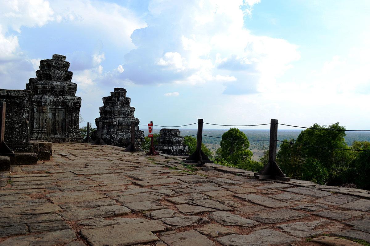 Верхний уровень Пном Бакхенга – сатья-локу, мир Брахмы