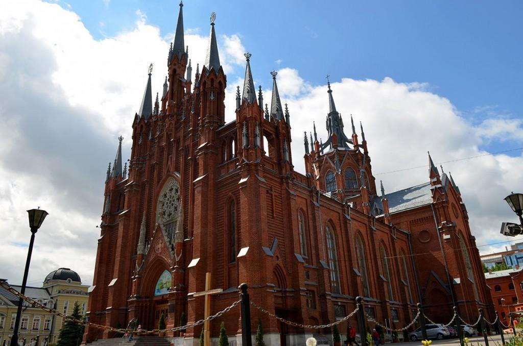 rimsko-katolicheskiy-sobor-countryscanner-1-1024x678.jpg