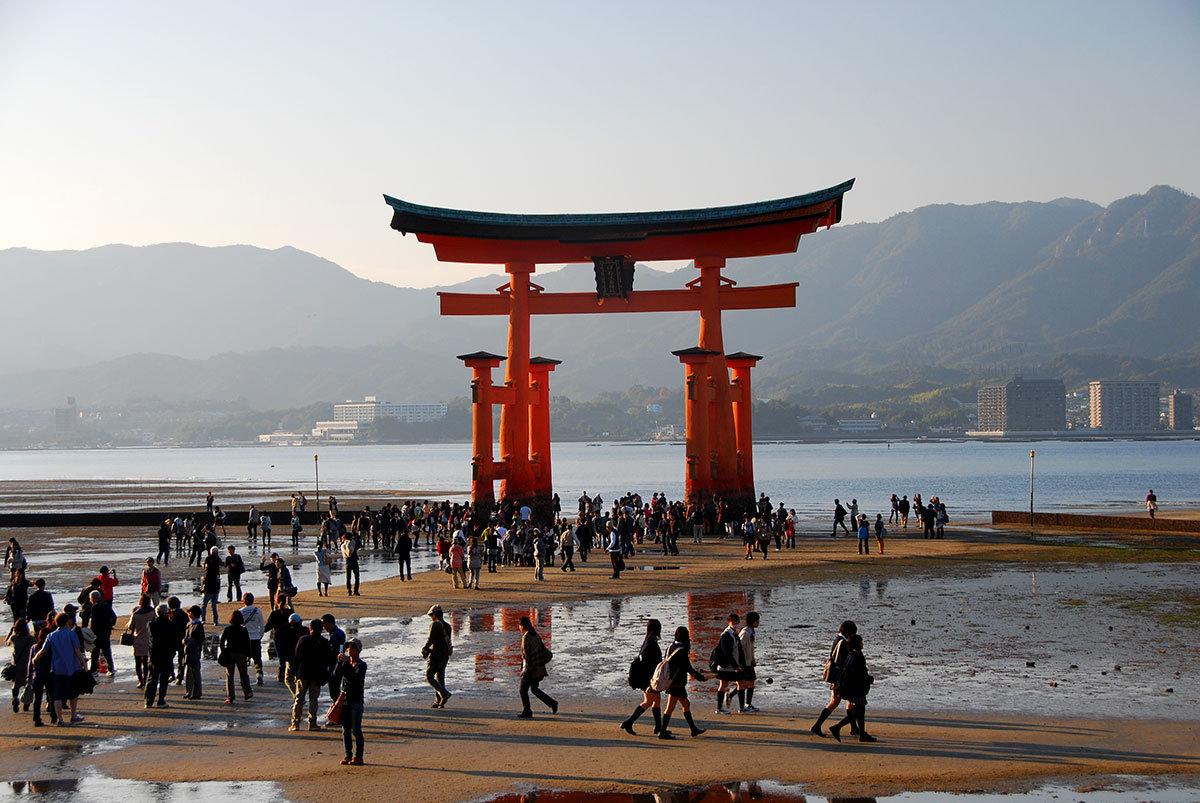 Святилище Ицукусима. Священные Тории Ицукусимы