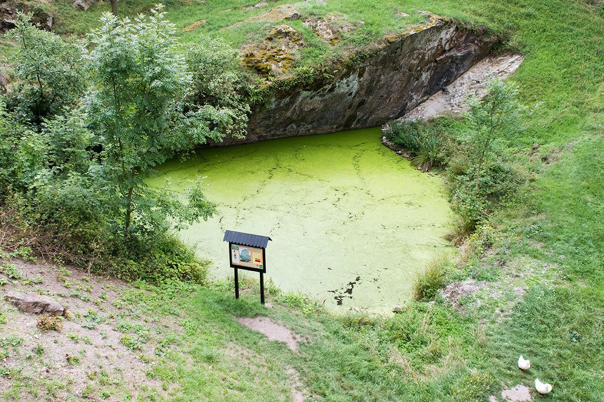 Больше столетия небольшое озеро за крепостными стенами было единственным источником волы для всех, кто находился в замке Точник.