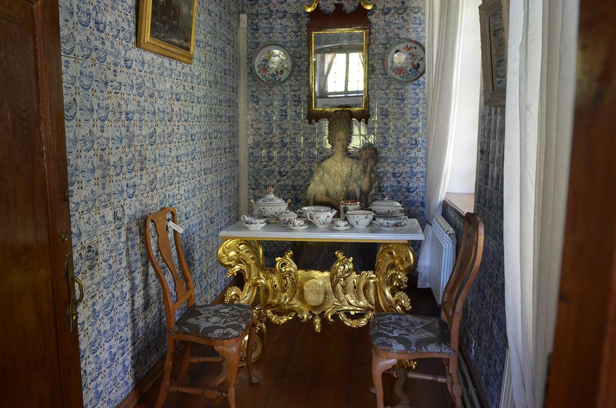 Десертная комната на втором этаже – помещение для отдыха и чаепитий в голландском домике в Кусково.