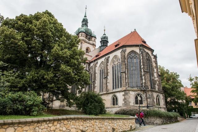 kostel-svyatykh-petra-i-pavla-countryscanner-1
