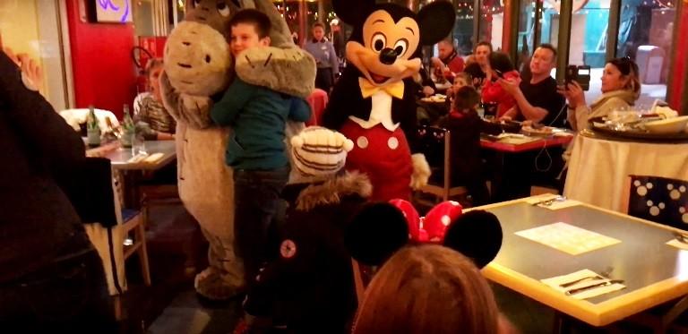 Новый год по-русски в Disneyland