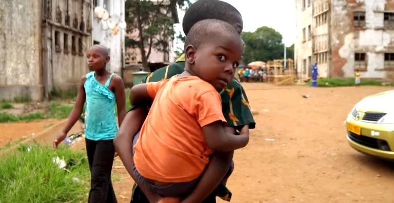 МИД не рекомендует посещать Зимбабве