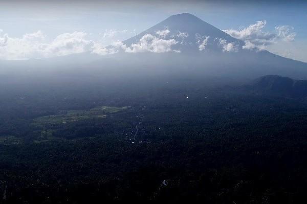 Новость 22-11-2017 Извержение вулкана Агунг на Бали