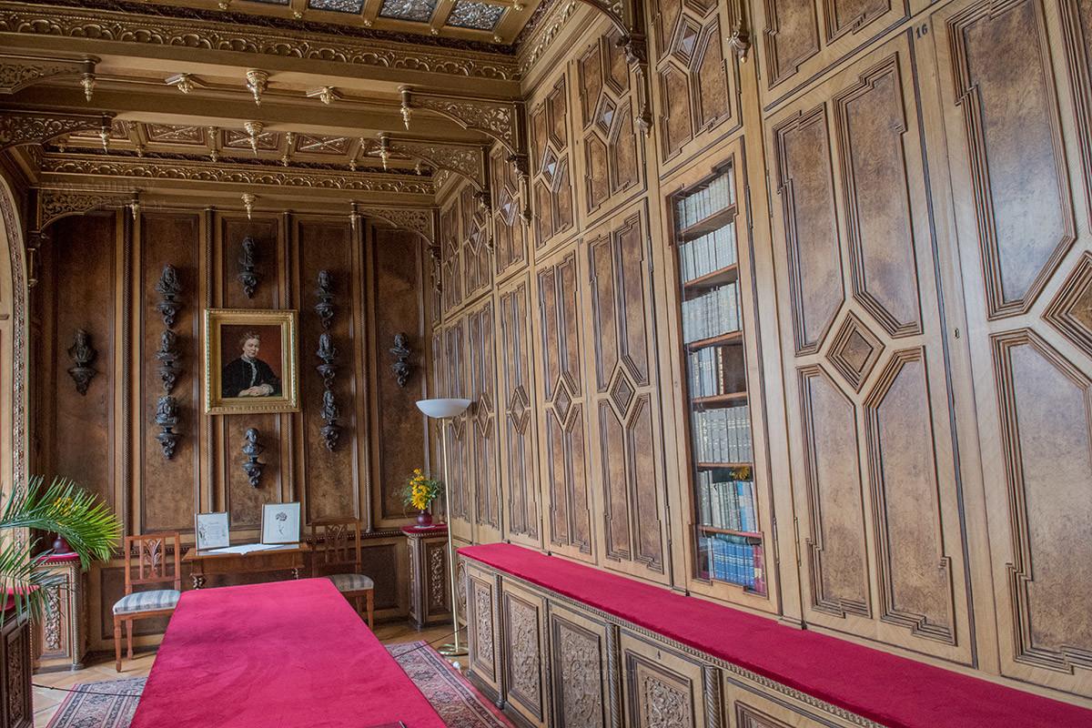 Замок Лысице предоставлял все условия для творчества известной писательнице Марии фон Эбнер-Эшенбах, урожденной Дубской.