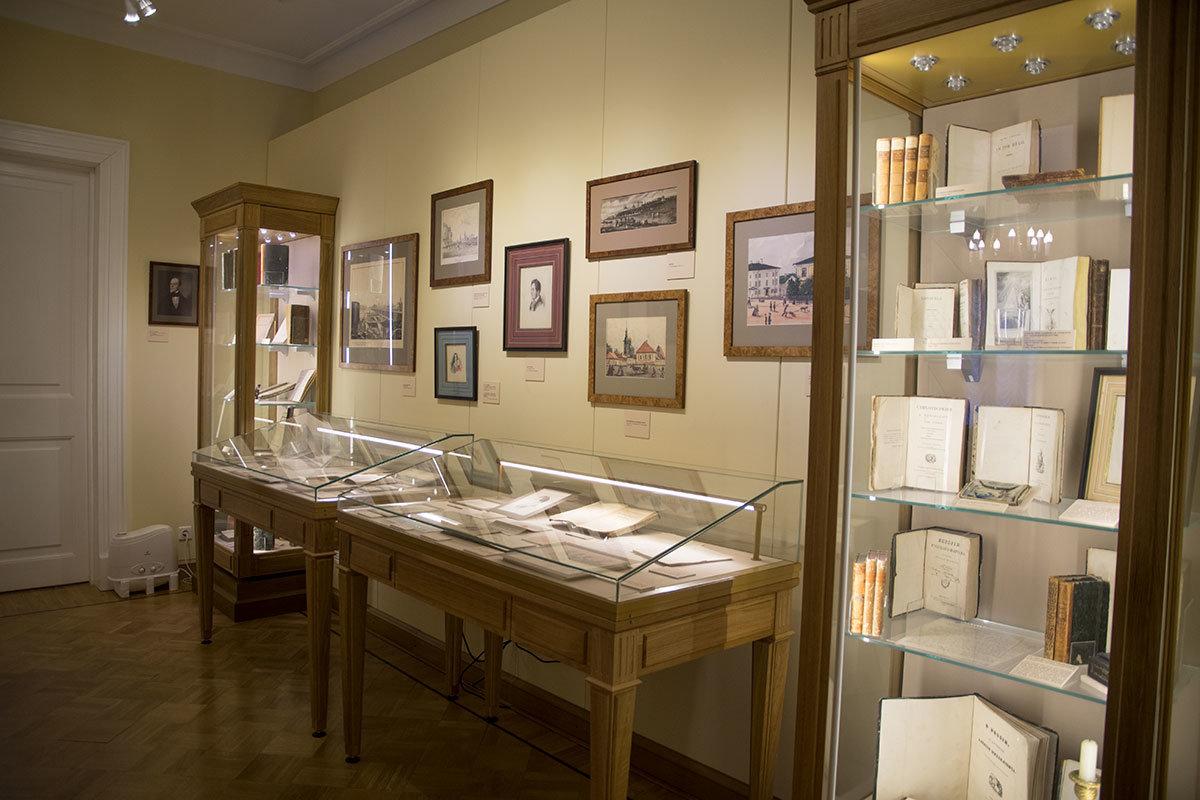 Музей Герцена рассказывает в одной из экспозиций о местах ссылки по политическим мотивам, за пропаганду свержения самодержавия.