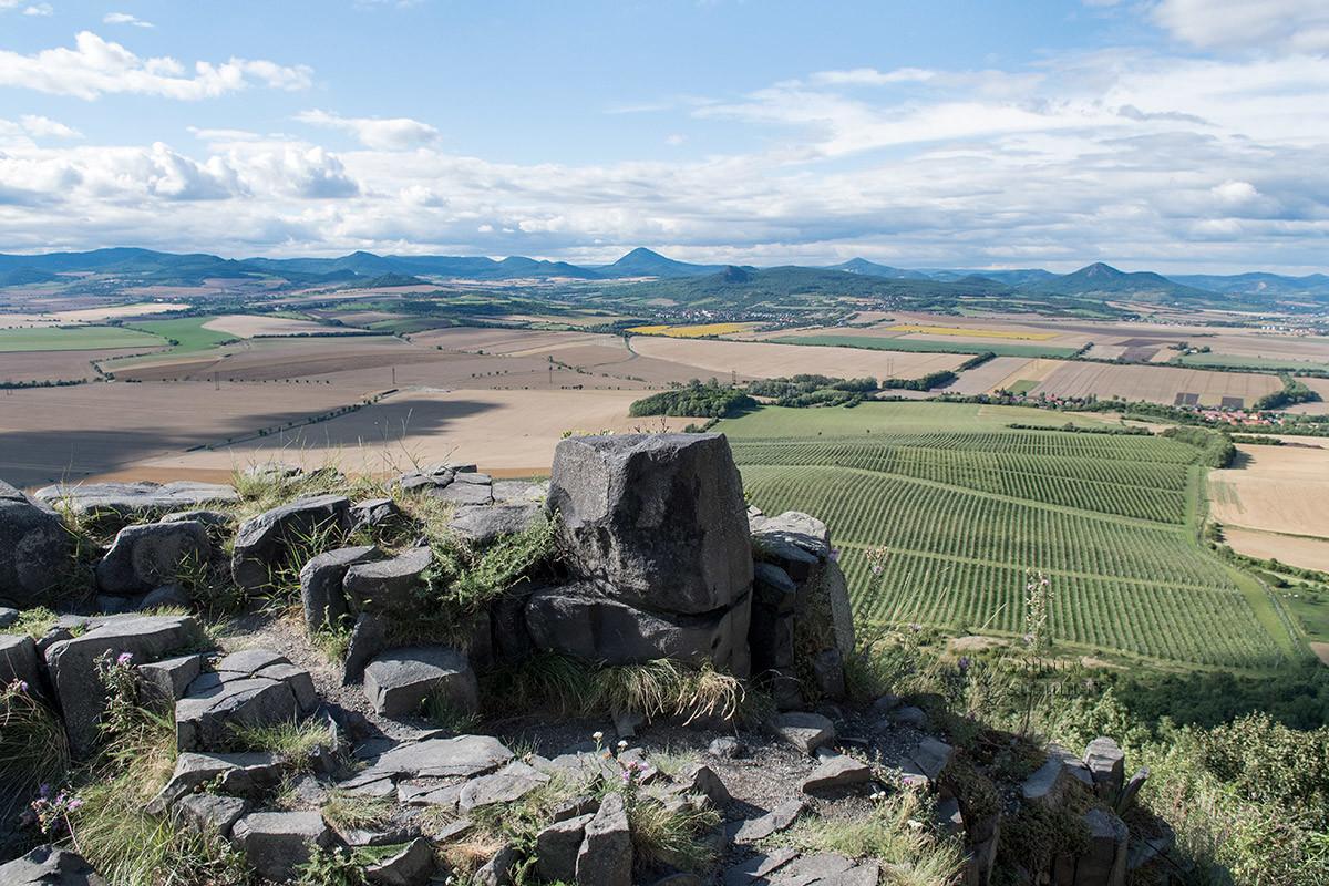 Вид с края холма около замка Хазмбурк