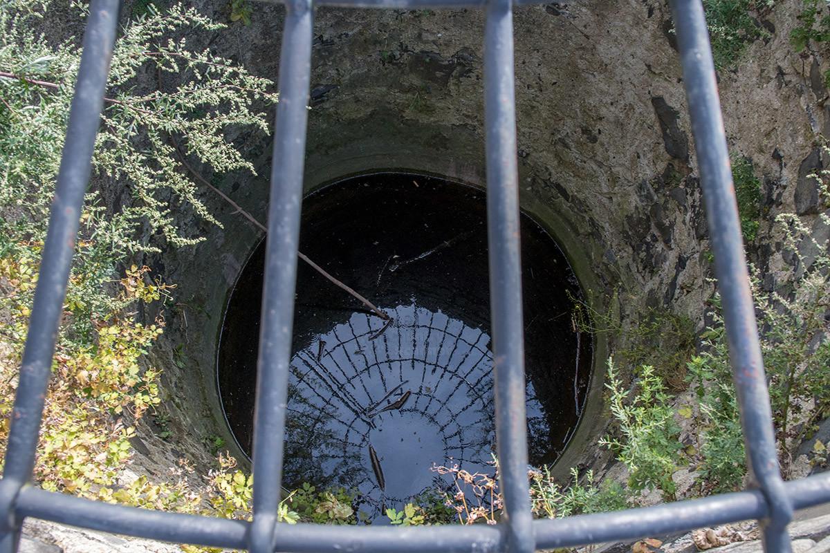 Крепостной колодец замка Хазмбурк