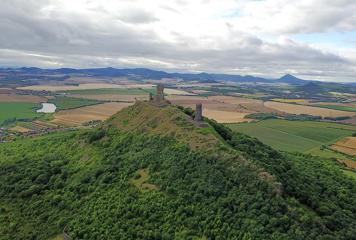 Вид с квадрокоптера на замок Хазмбурк