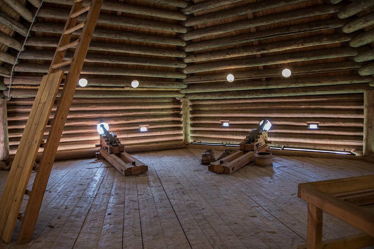 Основной ударной силой древних крепостей, в том числе Моховой башни Сумского острога, были артиллерийские орудия.