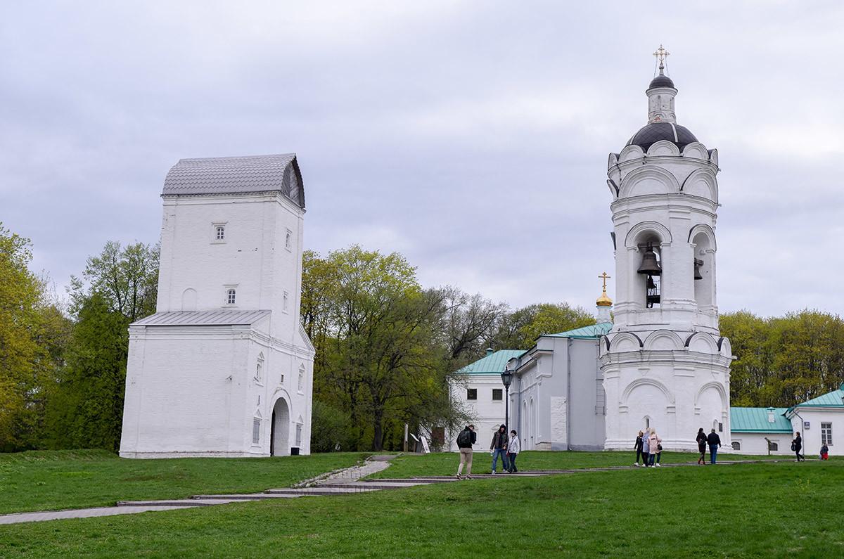 Водовзводная башня в Коломенском – один из объектов музея-заповедника, расположенный совсем рядом с колокольней храма Святого Георгия.
