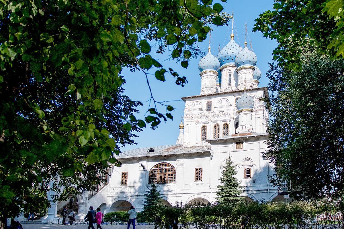 khram-kazanskoy-ikony-kolomenskoe-countryscanner-1.jpg