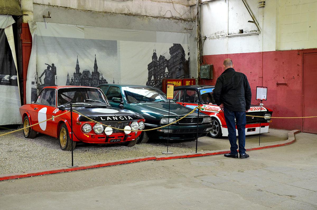 Автомобиль с логотипом Лянча, выставленный в музее Московский транспорт, выпущен последователями бывшего автогонщика.
