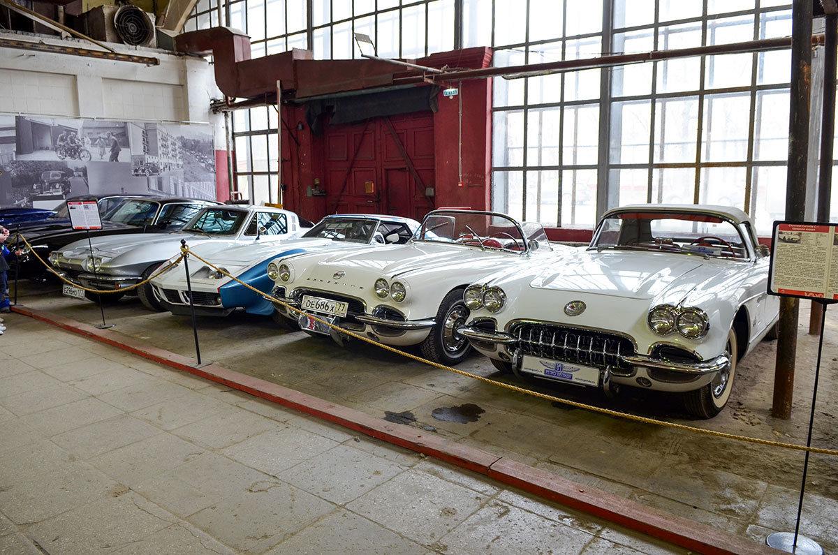 Несколько модификаций Шевроле Корвет представляет в своей экспозиции музей Московский транспорт.