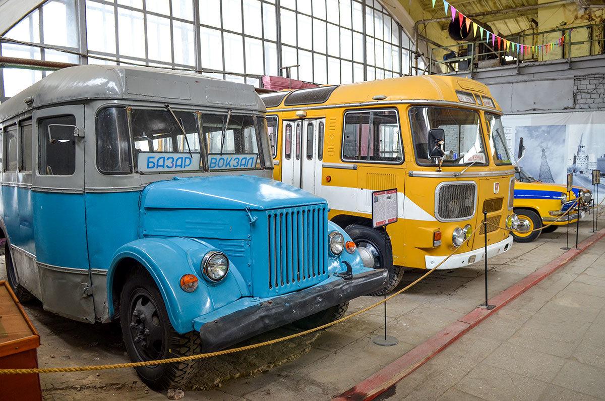 Выносливый ПАЗ, до сих пор встречающийся на дорогах, в музее Московский транспорт соседствует со своим предшественником.