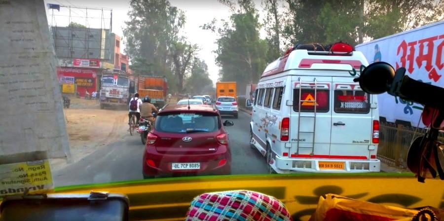 Транспорт в Индии и пьяные водителя