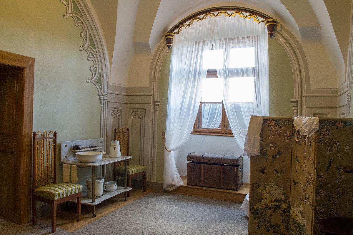 Помещением для умывания и перемены нарядов пользовались хозяйки замка Битов.