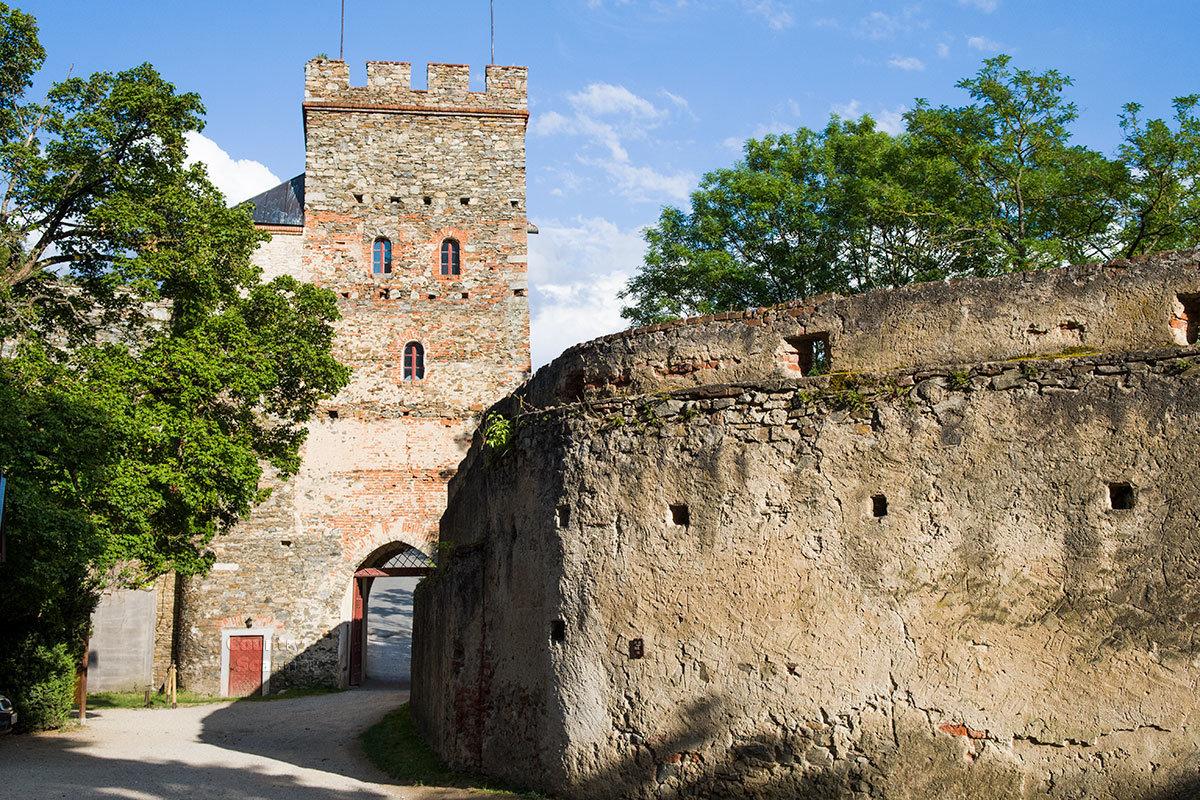 Прощальный снимок при выходе из замка Битов делают практически все его посетители.