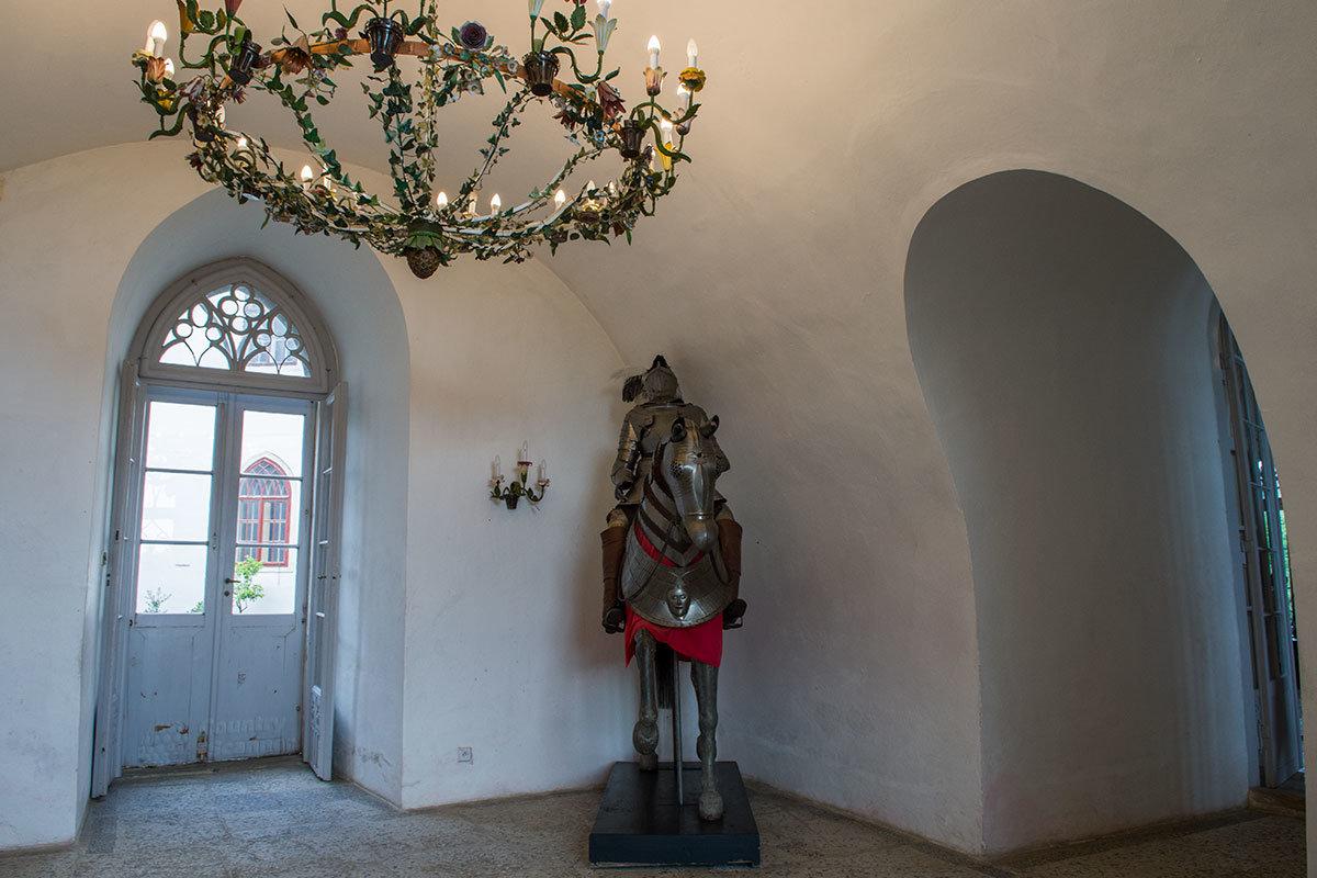Прихожая замка Битов имеет цилиндрический свод, выполненный как одно целое со стенами помещения.