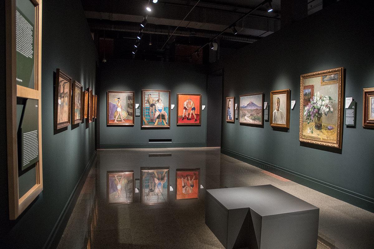 Посвященные физкультуре и спорту картины институт русского реалистического искусства чередует с произведениями другой тематики.