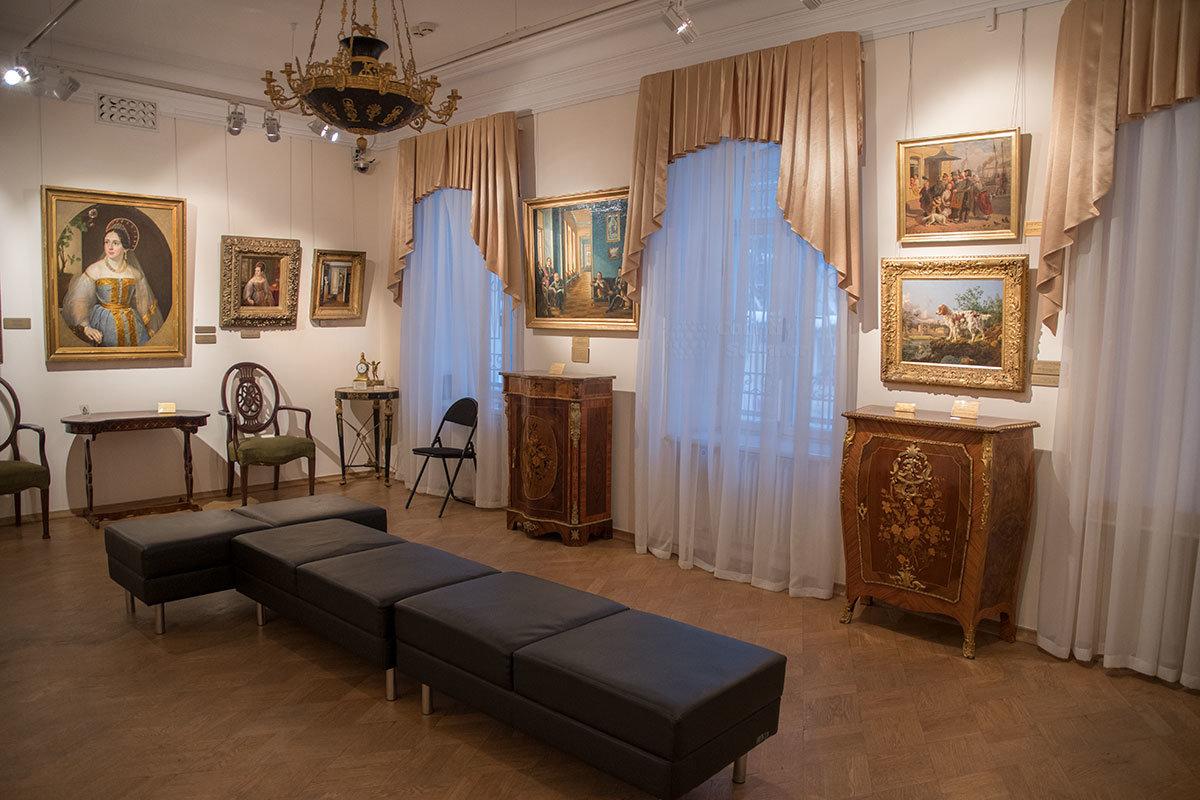 Портрет Карзинкиной музей Тропинина представляет сразу в двух авторских вариантах разных размеров.