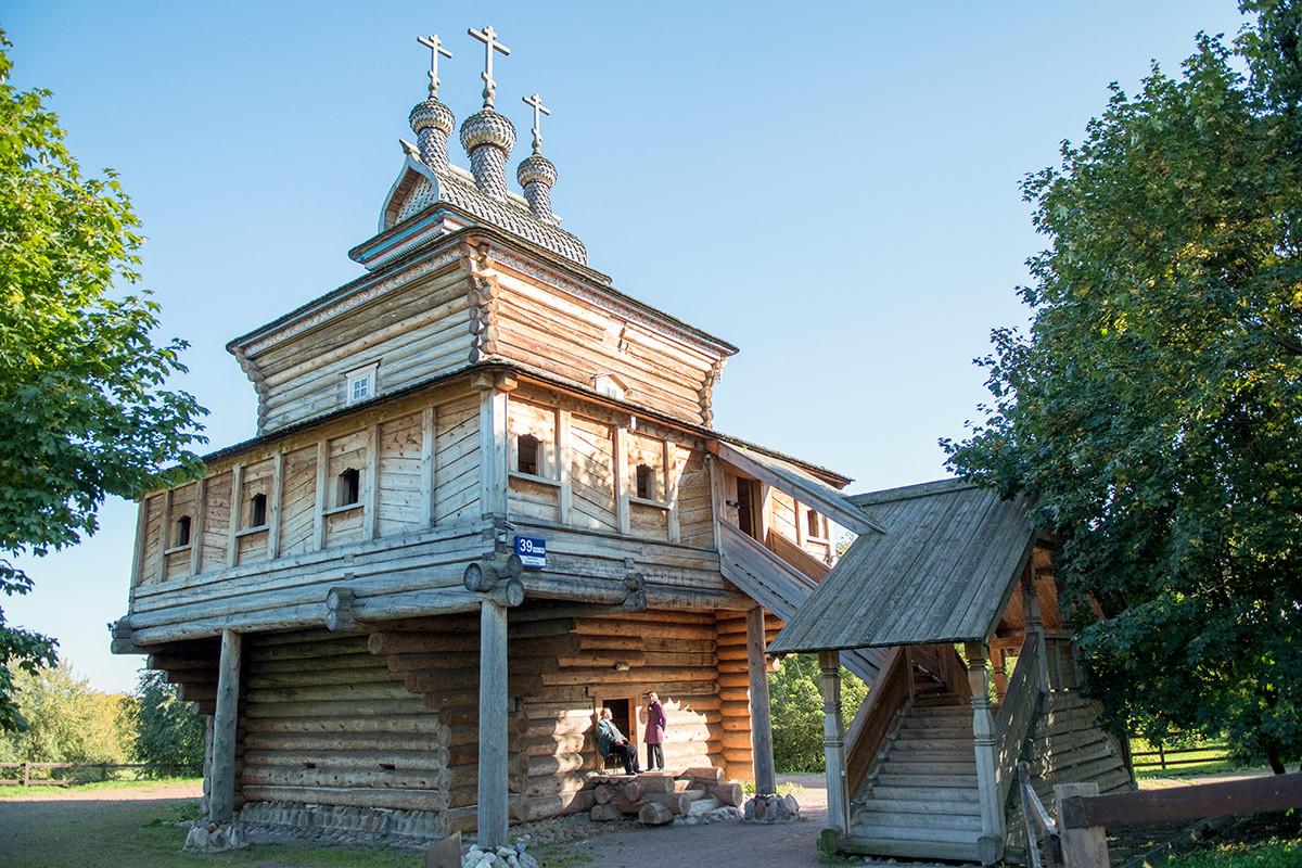 cerkov-georgiya-pobedonostsa-countryscanner-6.jpg