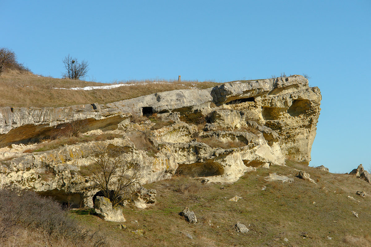 Разрушенные пещеры Баклы.