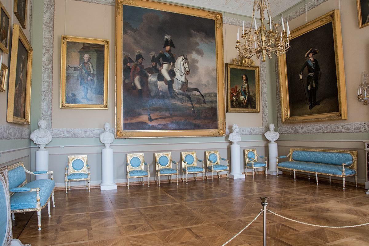 Императорский зал Большого дворца в Архангельском использовался для приемов высокопоставленных особ, включая монархов.