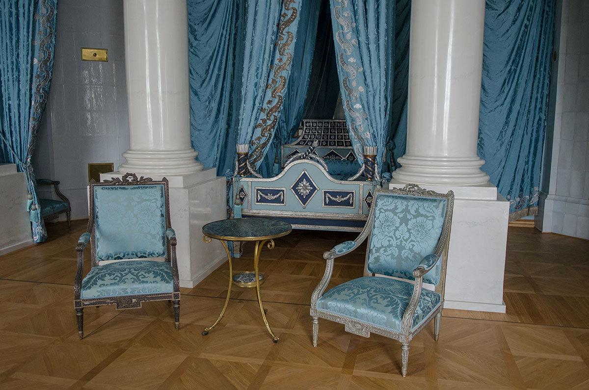 Опочивальня Большого дворца в Архангельском никогда не использовалась по прямому назначению, а служила для малых приемов.