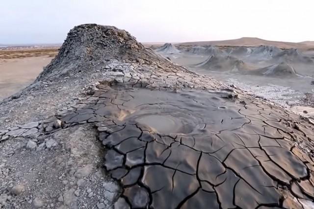 новость 01-04-2018 Извержение грязевого вулкана, спавшего 10 лет, произошло в Баку