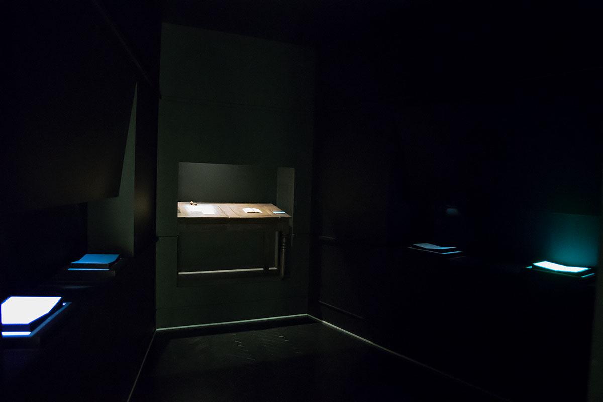 Показанные музеем Цветаевой тяжкие обстоятельства самоубийства, предсказанного Пастернаком, навевают холодок ужаса.