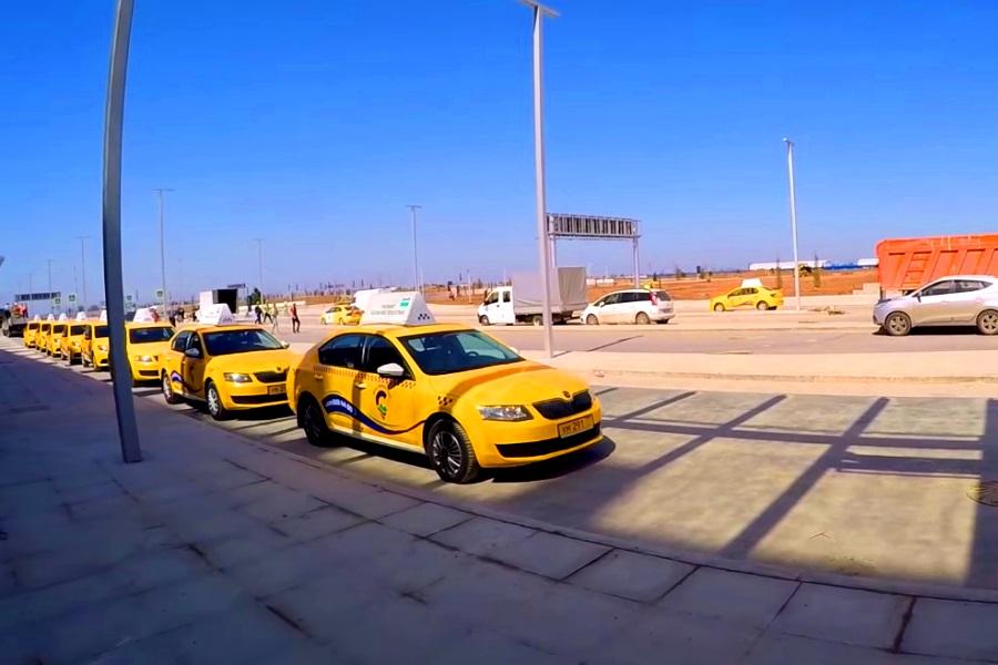 Такси в Симферополе. Чиновники создадут единую службу в аэропорту