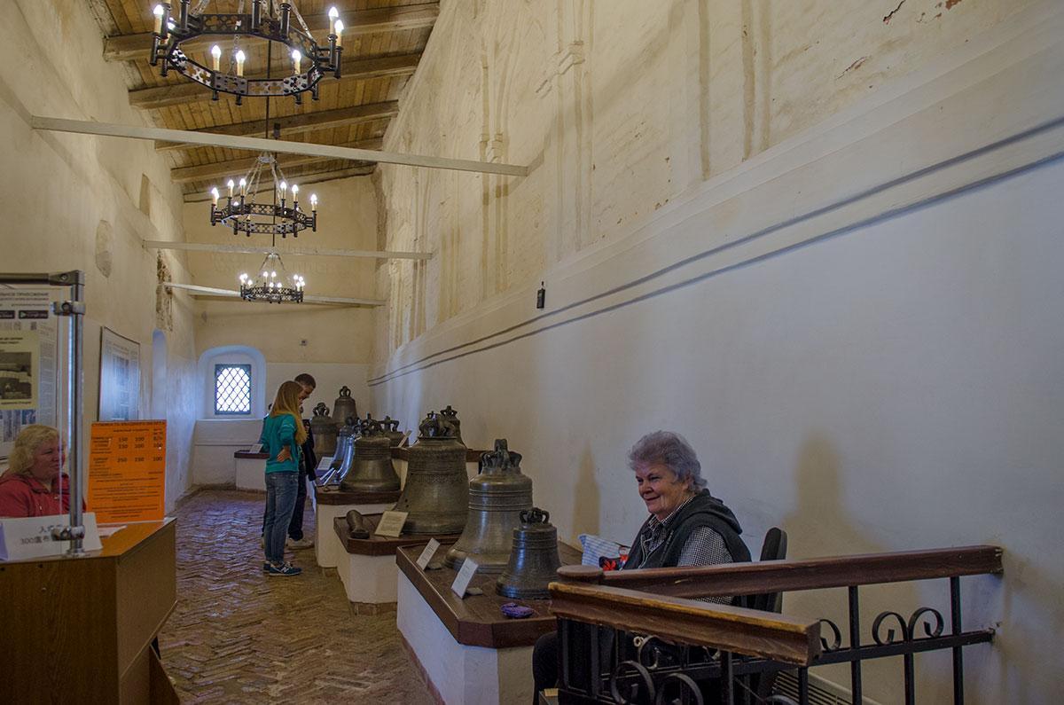 Коллекция древних новгородских колоколов не очень многочисленна, но весьма представительна по исторической ценности.