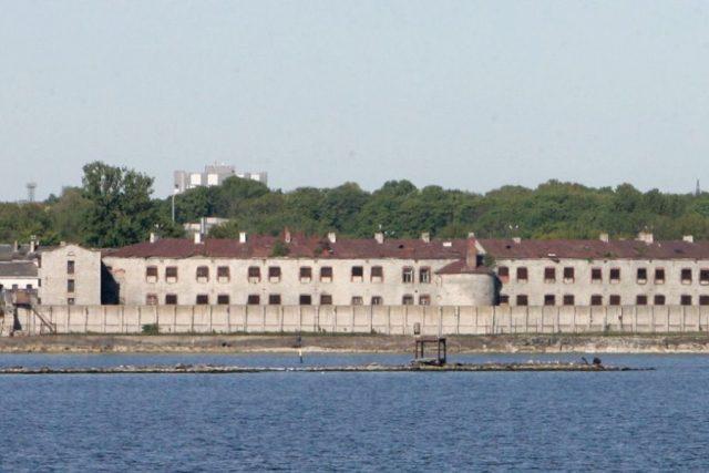 новость 01-05-2018 Морская крепость Батарейнаяв Эстонии выставлена на продажу