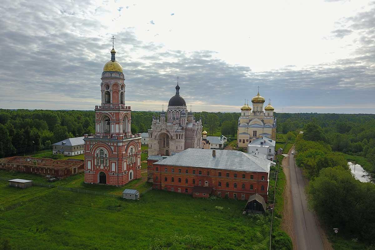 kazanskiy-zhenskiy-monastyr-v-vyshnem-volochke-countryscanner-1.jpg