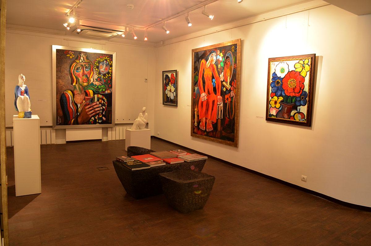 Наиболее выразительные полотна музей-мастерская Зураба Церетели размещает совместно, чтобы облегчить зрительский выбор.