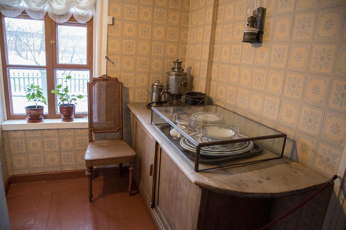 Буфетная в музее Толстого в Хамовниках прежде была местом хранения посуды и приготовления утреннего кофе для Льва Николаевича.