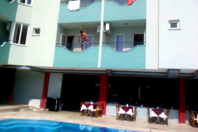 Новость 14-05-2018 Прыжки в бассейн из балкона приводят к травмированию туристов