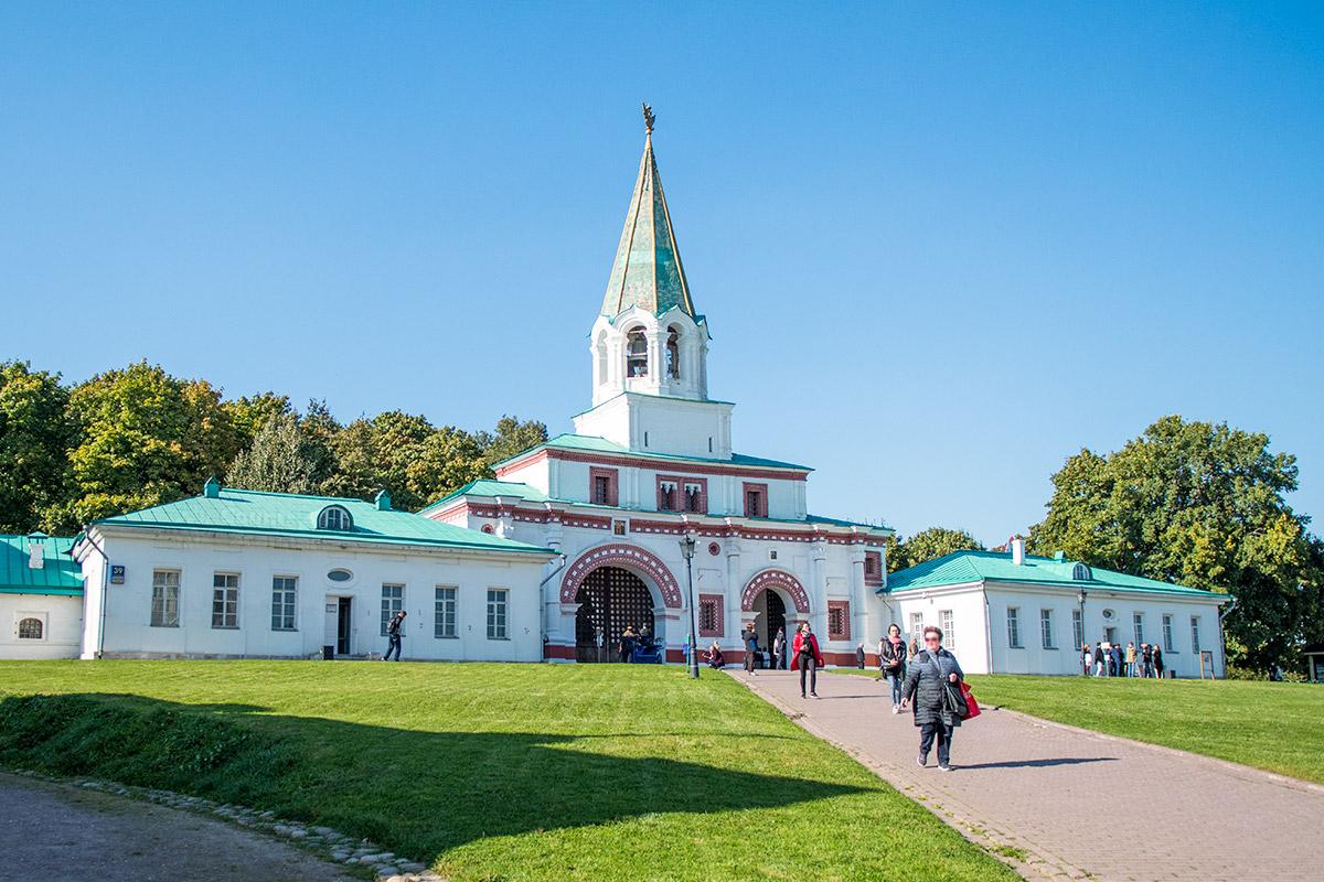 perednie-vorota-kolomenskoe-countryscanner-1.jpg
