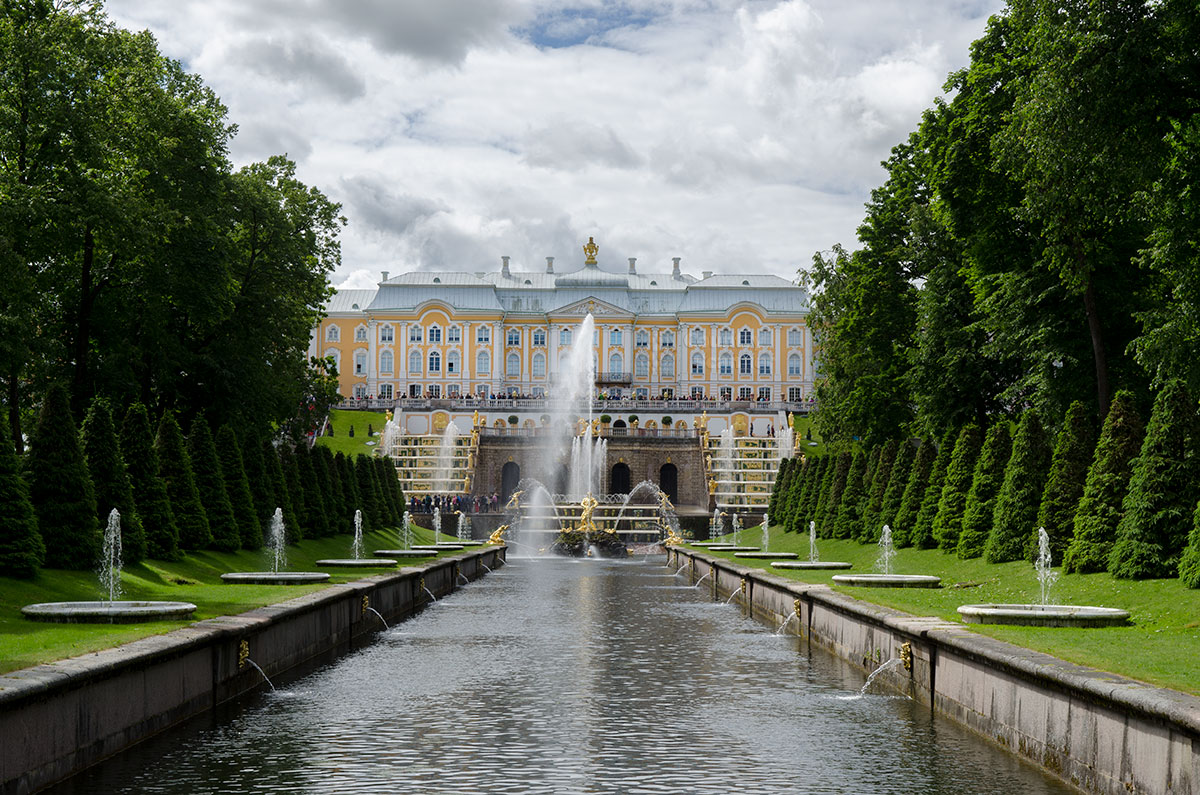 bolshoy-petergofskiy-dvorets-countryscanner-1.jpg