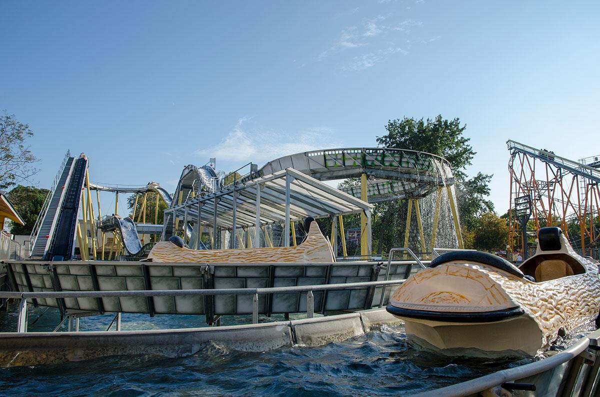 Водные горки парка Пратер, несмотря на сухопутное расположение, не уступают развлечениям настоящего аквапарка.