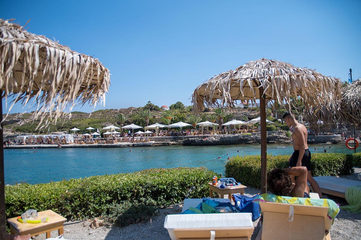 Источники Каллифеи имеют собственный участок побережья Средиземного моря, удовлетворяющий самых требовательных отдыхающих.