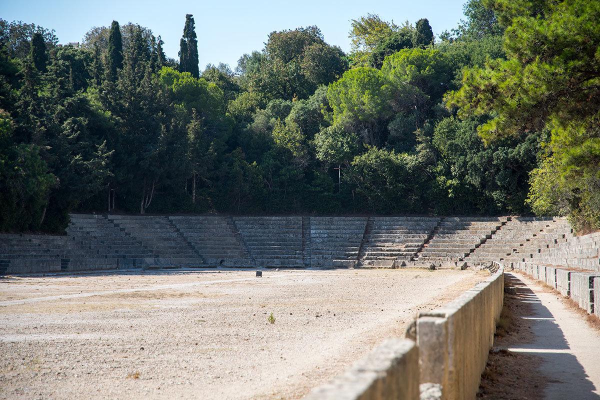 Античный стадион Родоса использовался для проведения спортивных соревнований по программе древних Олимпийских игр.