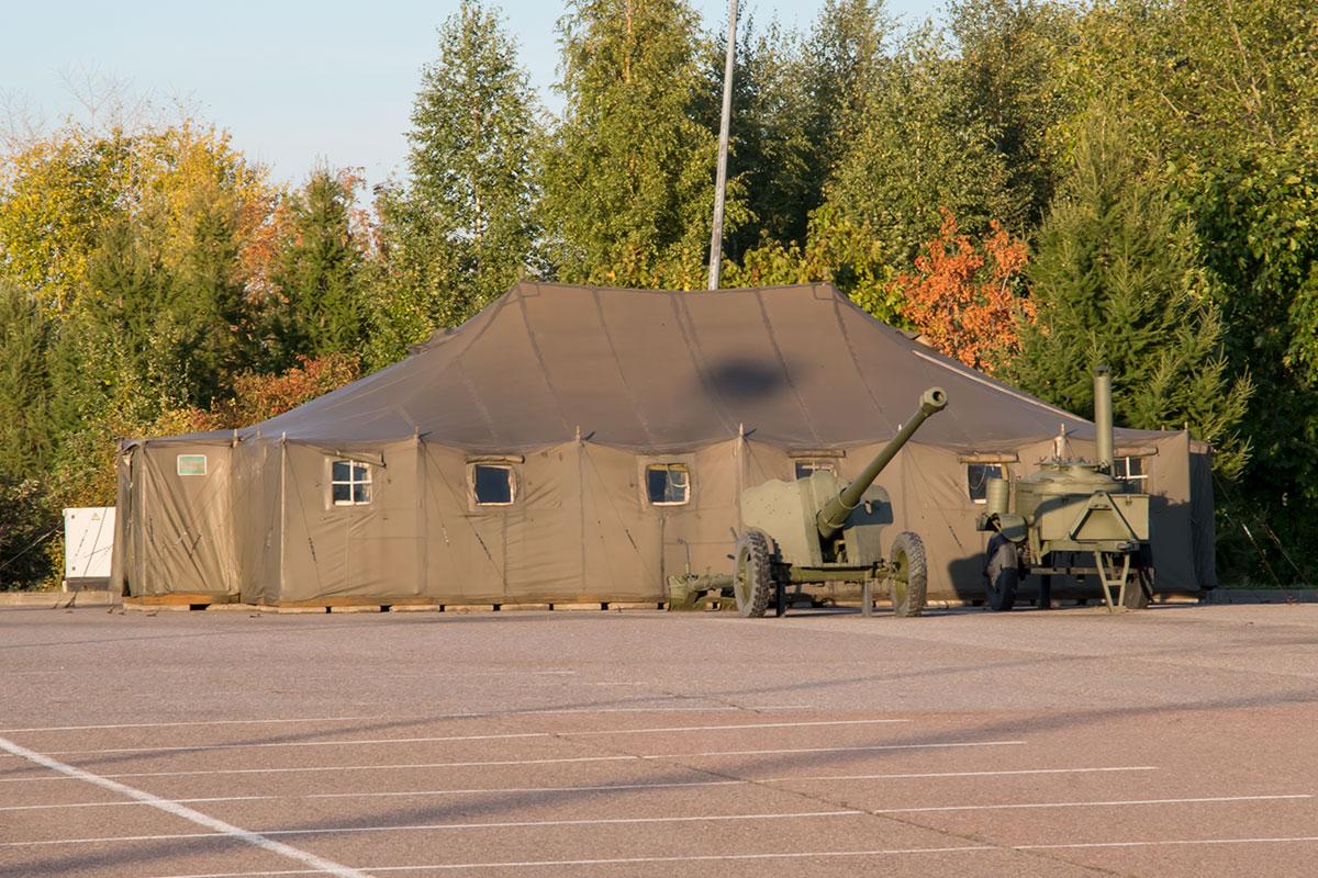 Экспозиция вооружения и военной техники не обошла стороной обеспечение бытовых потребностей участников вооруженных конфликтов.